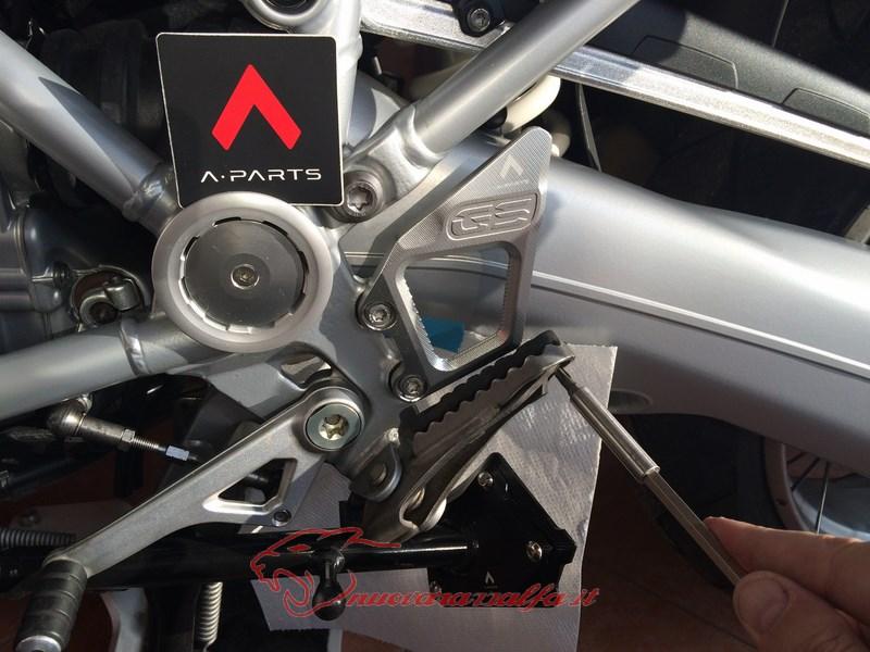 BMW K50 R1200GS LC sostituzione batti tacchi A Parts by Max450 Max45144