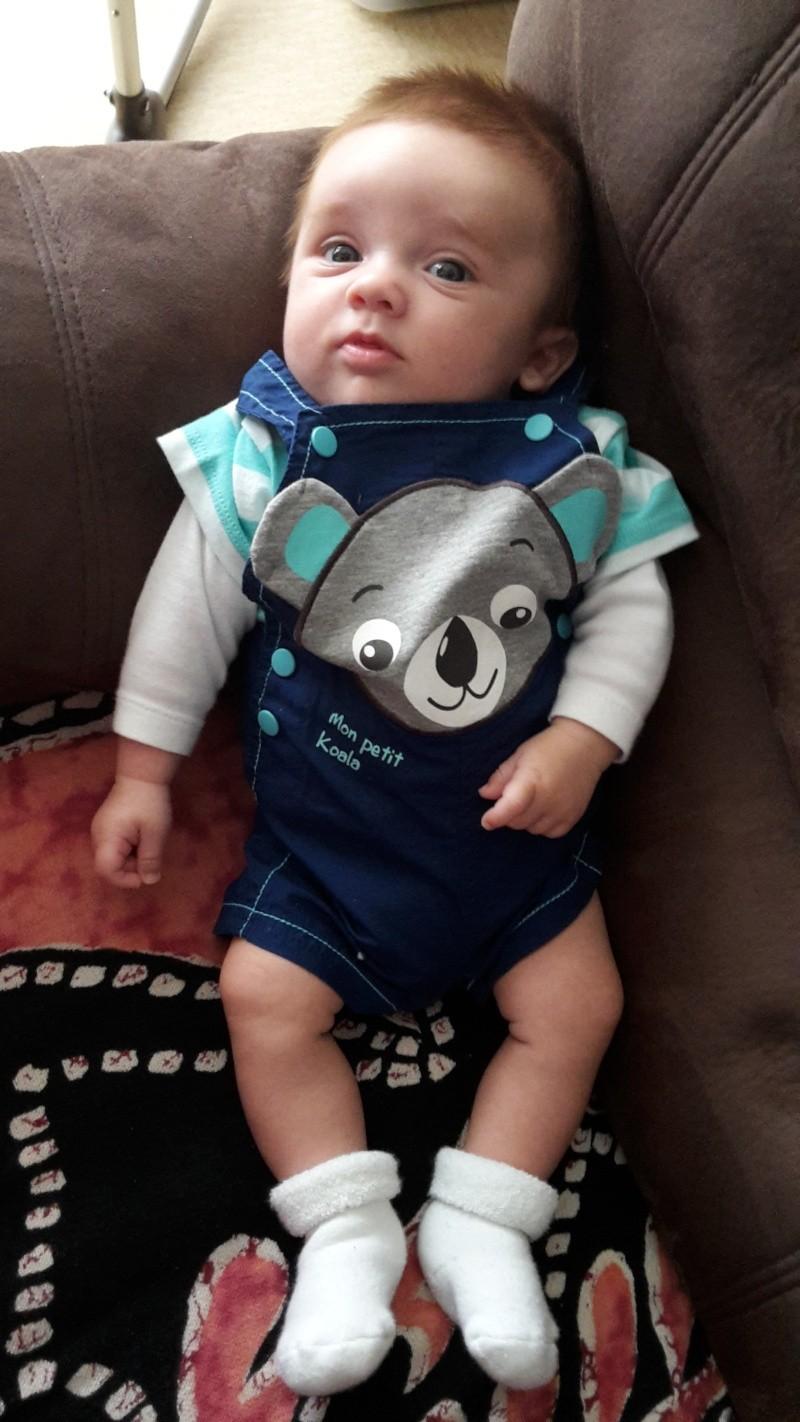demande de montage anniversaire 1 an bébé Eythan  0310