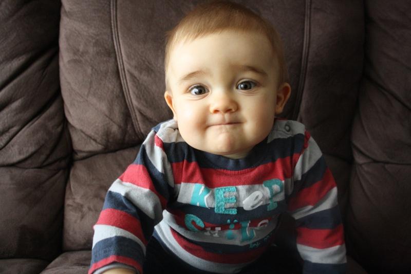 demande de montage anniversaire 1 an bébé Eythan  0910