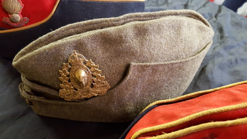 Royal Canadian Mounted Police Wedge / Side / Field Service Cap 12655910