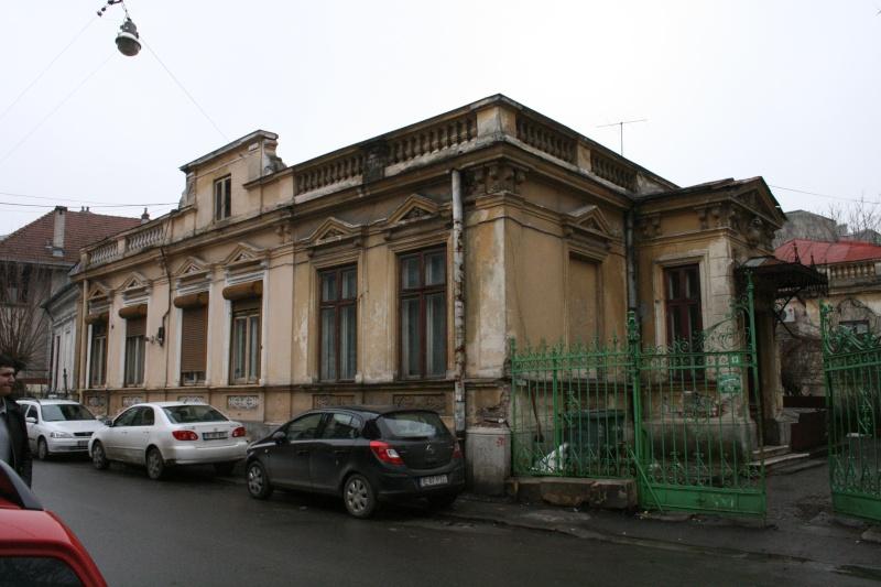 Anul II 2009/2010 - Locuire izolata in sit real - proiect in curs Bucure27