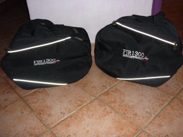 [VENDU] sacs pour valises FJR servis 3/4 fois - 50 euros P1030010