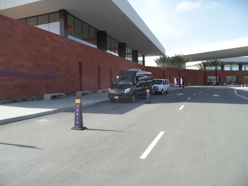 Tijuana arrport transportation to from USA Sam_0122