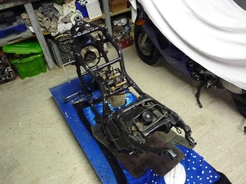 Remontage du V-MAX 1200 - Page 3 P1060210