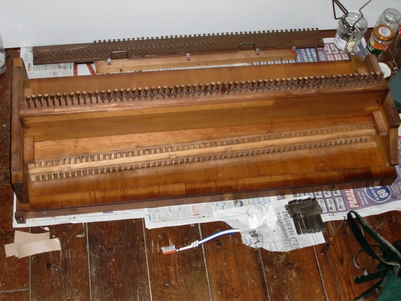 Apollo reed organ Cimg0717