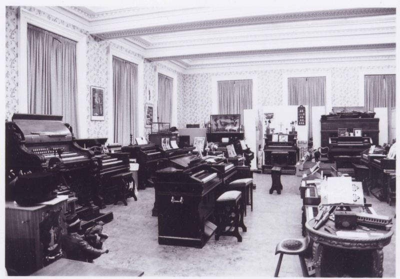 Musée de l'harmonium et du reed organ à Saltaire (UK) Saltai10