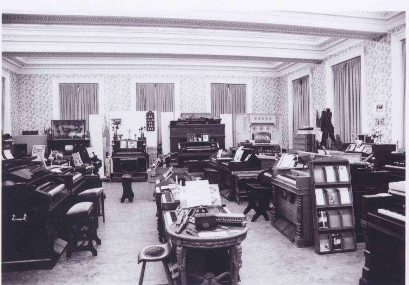 Musée de l'harmonium et du reed organ à Saltaire (UK) Saltai11