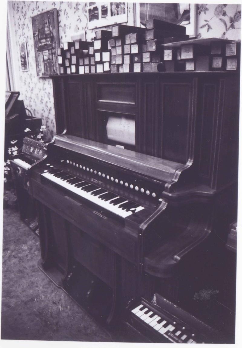 Musée de l'harmonium et du reed organ à Saltaire (UK) Saltai13
