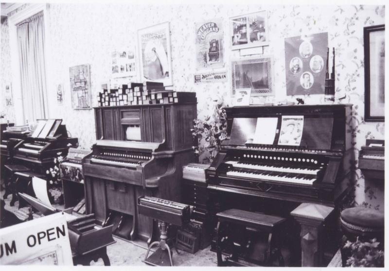 Musée de l'harmonium et du reed organ à Saltaire (UK) Saltai14
