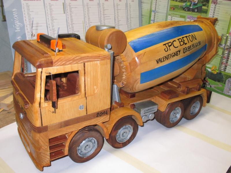 Miniatures en bois. Camion10