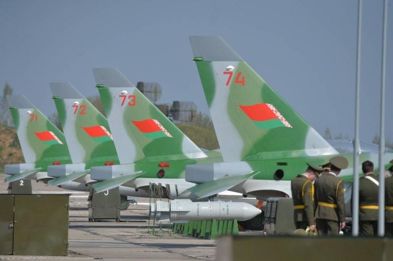 Armée Biélorusse / Armed Forces of Belarus - Page 5 10149311