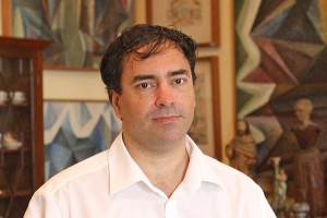 WHATEVER HAPPENED TO MARCOS ARAGAO CORREIA? The weird medium & Madeira lawyer who once claimed his mediumistic powers were fully verified by...Francisco Marco & colleagues at Metodo 3 - who also successfully prosecuted  Goncalo Amaral for alleged perjury Marcos10