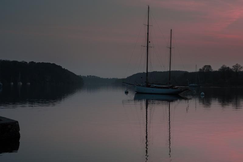 Un ciel rose à la fin du jour du beau temps promet le retour. Traity16