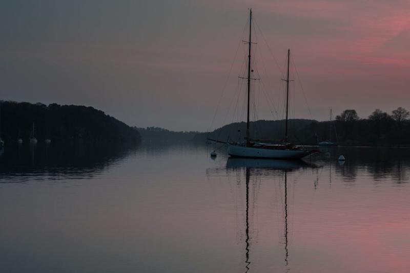 Un ciel rose à la fin du jour du beau temps promet le retour. Traity17