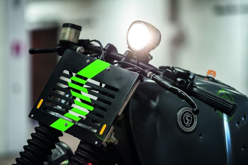 r100 svako motorcycle Svako-13