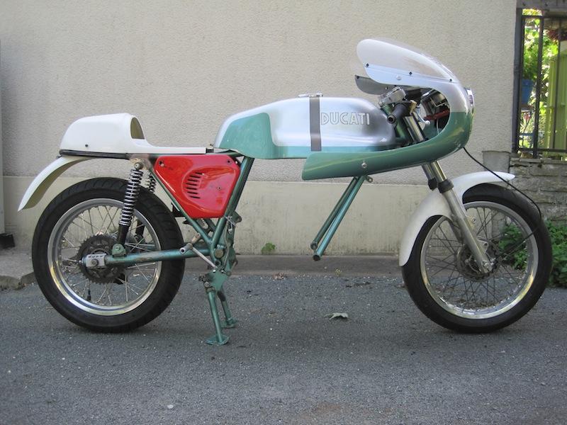 Ducat' 750 et 860 Coniques - Page 3 Img_2610