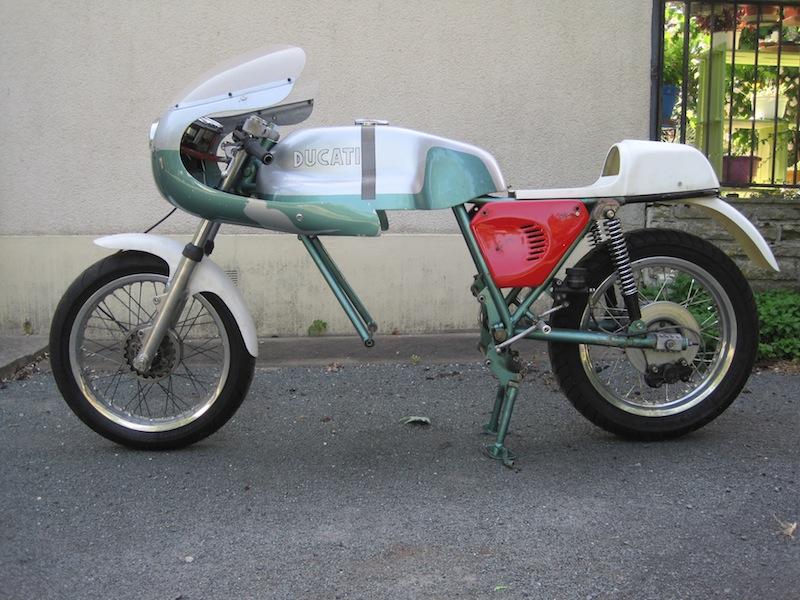 Ducat' 750 et 860 Coniques - Page 3 Img_2612