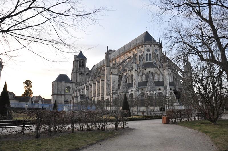 Photos de la ville de Bourges (avant le printemps) Bourge23