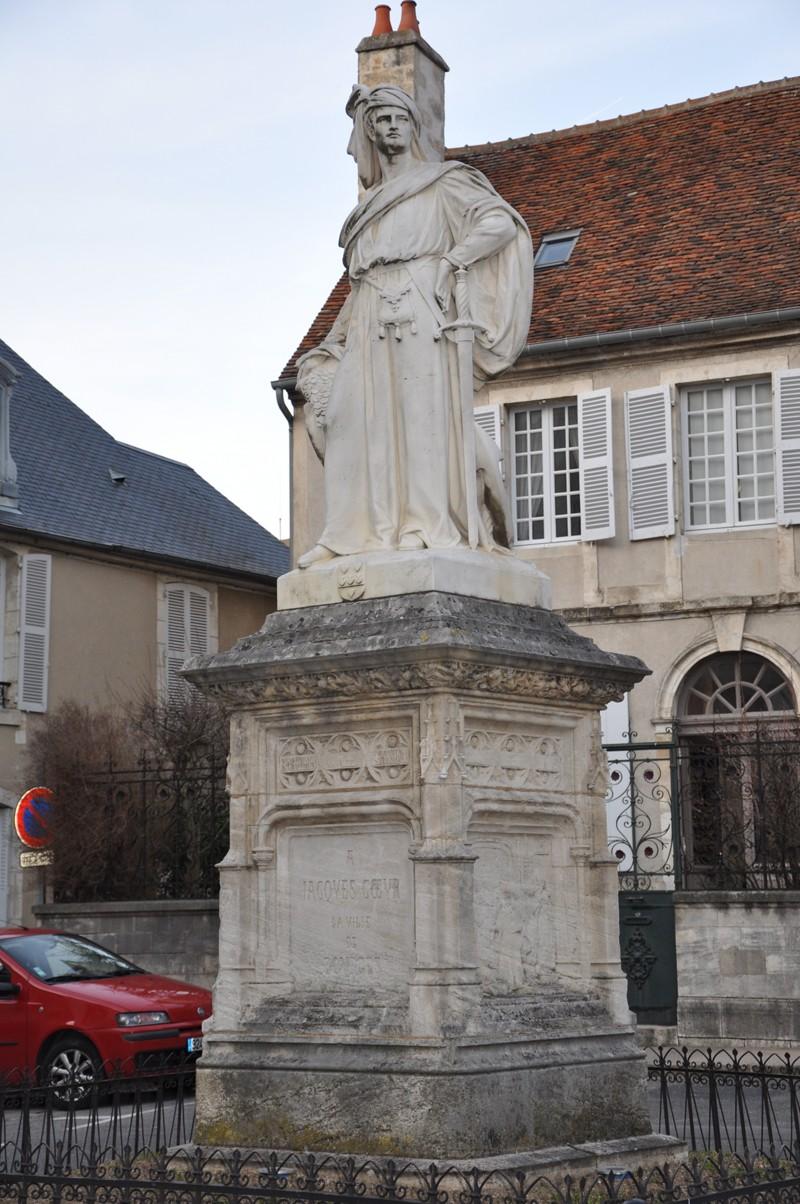 Photos de la ville de Bourges (avant le printemps) Bourge33