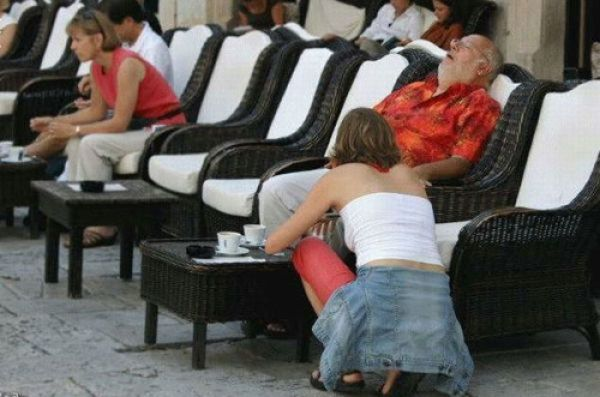 Les photos double-meaning  (double sens) Sieste10