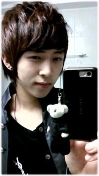 [PHOTOS] Hyumin avant DGNA Hyeonm20