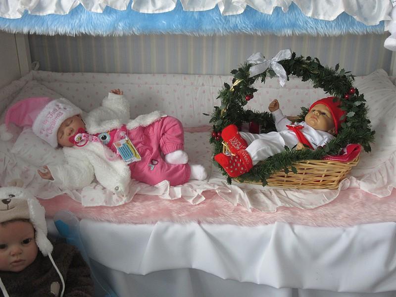 Es weihnachtet im Puppenhaus..... 2210