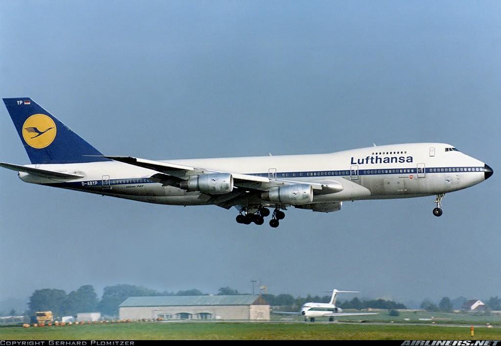 Boeing 747 16482812