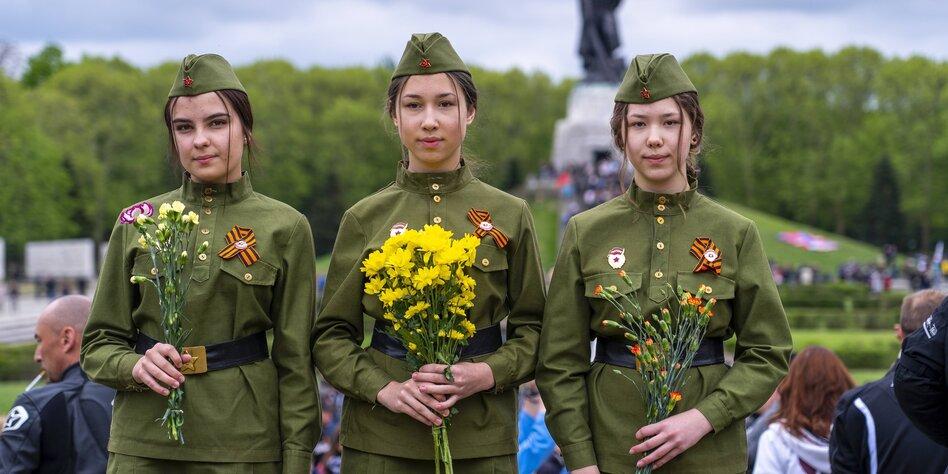 Schicke Uniformen  25190010