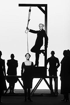 Le Berliner Ensemble (BE) au Théâtre de la Ville à Paris, en avril 2010 Brecht11