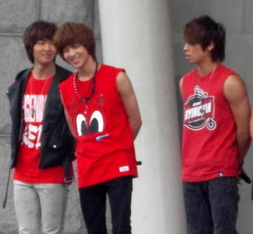 SHINee in Charity Walk Public Broadcasting Gl0_1210