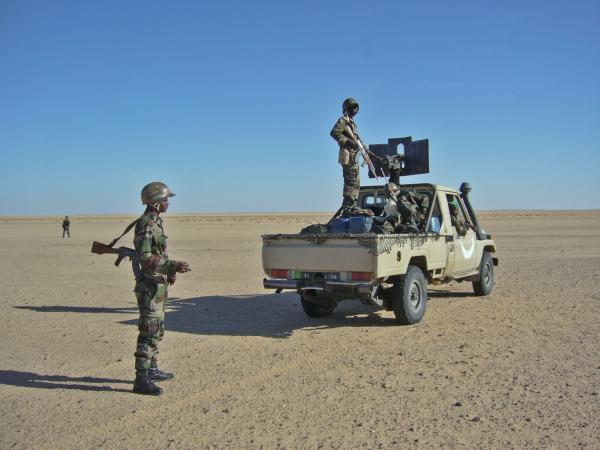 Armée Mauritanienne - Page 2 1_5_010