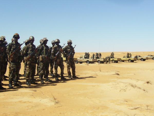 Armée Mauritanienne - Page 2 9-diap10
