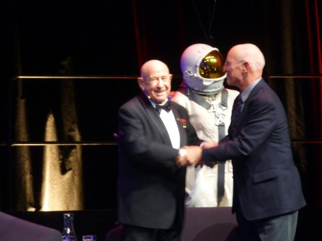 Buzz Aldrin et Alexeï Leonov à Lausanne le 13 novembre 2015. SwissApollo. 11210