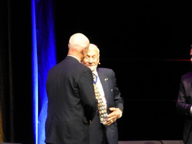 Buzz Aldrin et Alexeï Leonov à Lausanne le 13 novembre 2015. SwissApollo. 11310