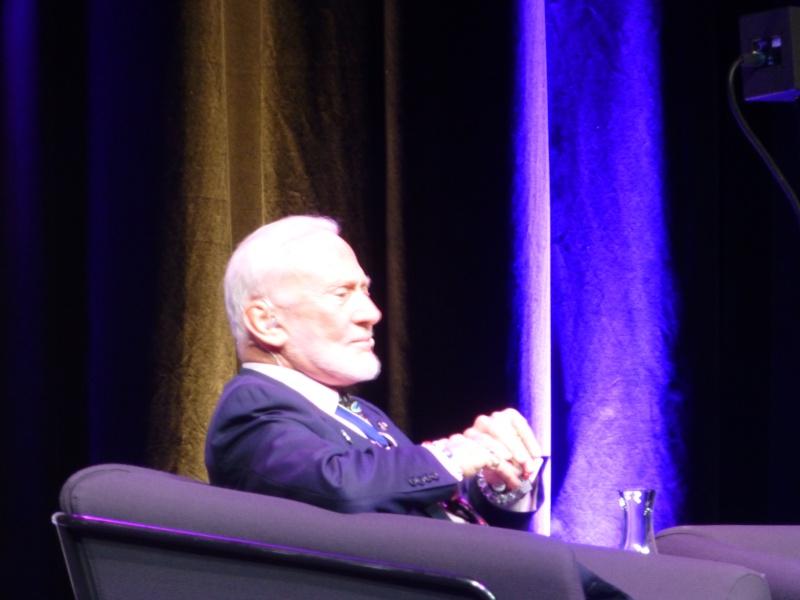 Buzz Aldrin et Alexeï Leonov à Lausanne le 13 novembre 2015. SwissApollo. 13512