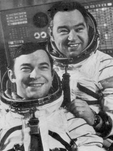 Journaux russes sur missions interkosmos Soyouz10