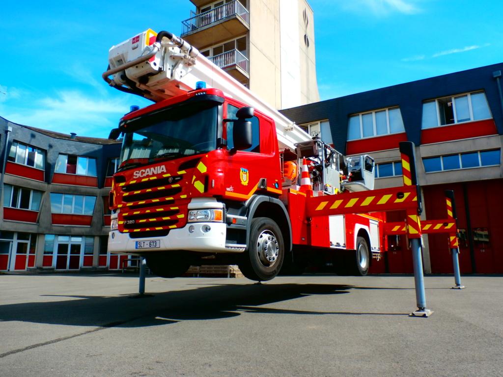 """"""" Porte ouverte """" Pompiers du Mans  P8300110"""