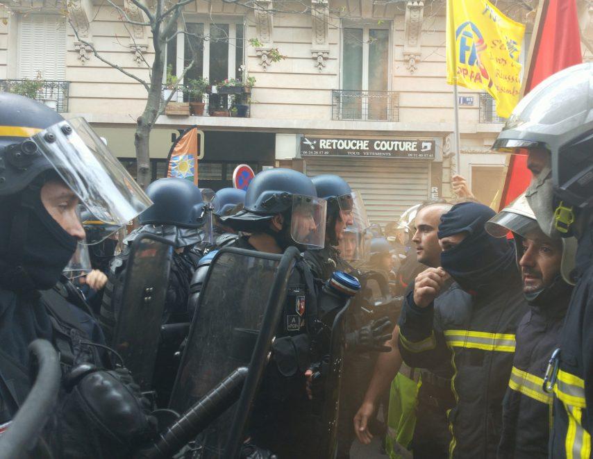 """"""" Ils sont là """" ....pour vous  Paris-10"""