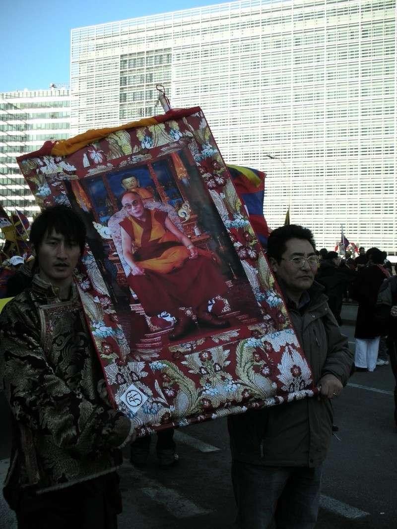 karmapa - Marche du Dalaï Lama/Lhassa s'enflamme, Pékin l'étouffe - Page 18 Dscn6010
