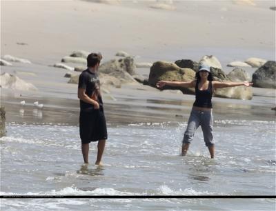 [04.15] At the beach in Malibu with Zac 116