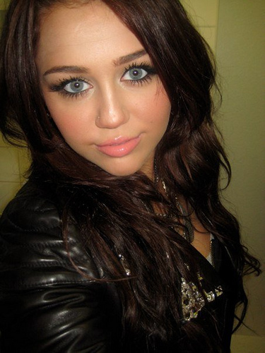 Oficial Miley Gallery - Page 5 Miley-32