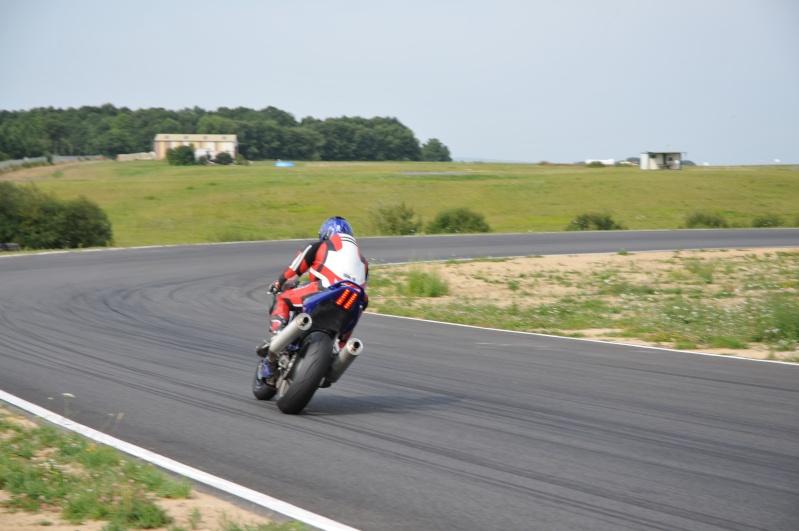 La moto sur circuit - Page 2 Dsc_5311