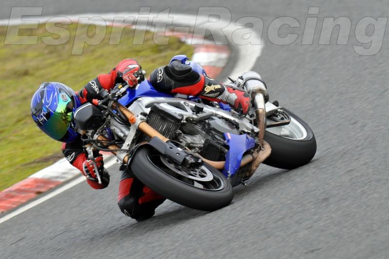 La moto sur circuit Moi_ca11