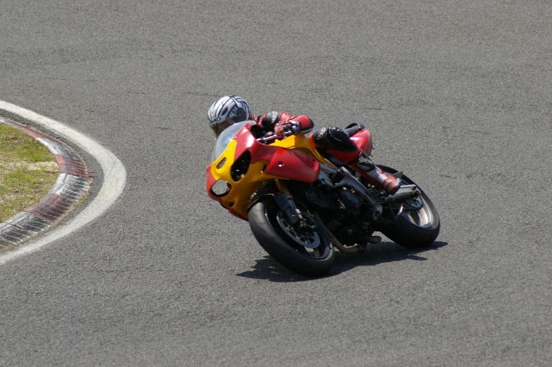 La moto sur circuit - Page 2 Moi_ca13