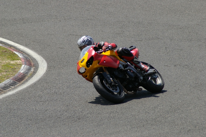 La moto sur circuit Moi_ca13