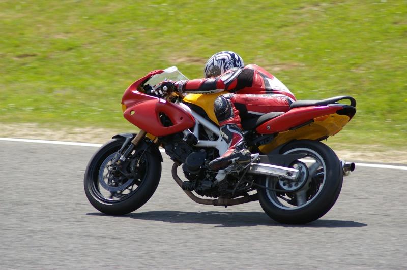 La moto sur circuit - Page 2 Moi_ca15