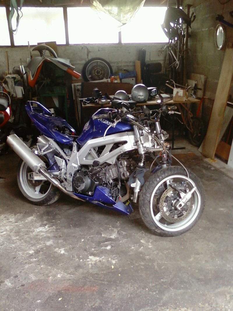 La moto sur circuit Photo011