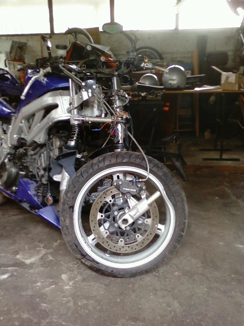 La moto sur circuit Photo012