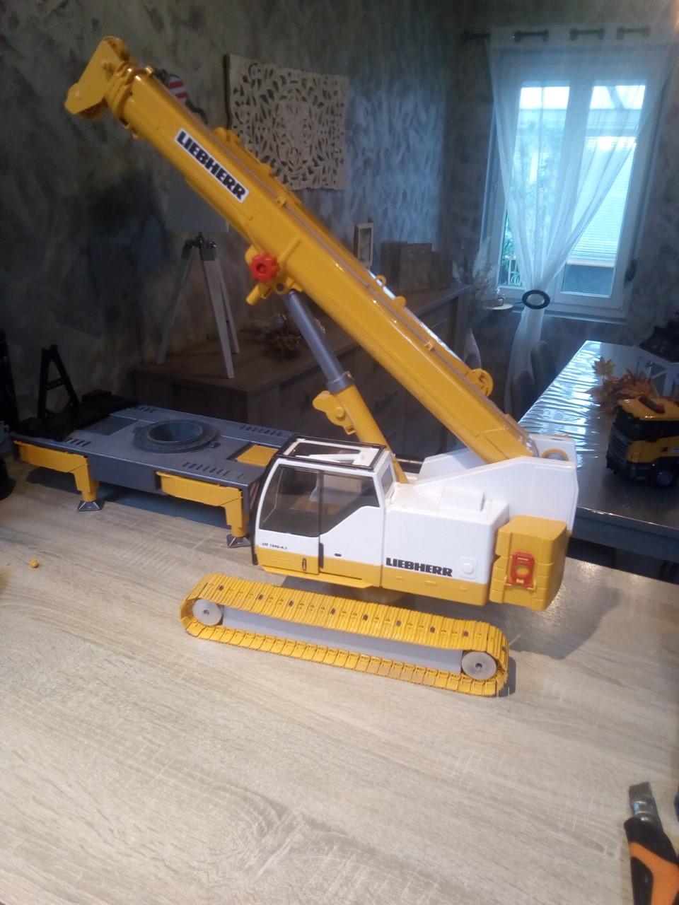 La grue Liebherr à Greg 59 type LTR 1060 Thumb180