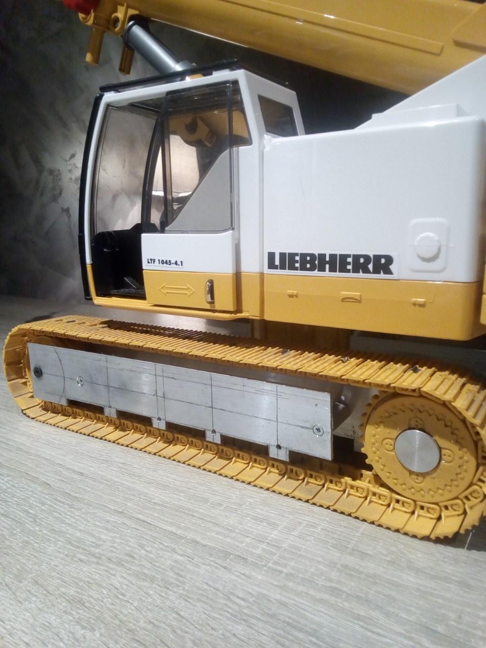 La grue Liebherr à Greg 59 type LTR 1060 Thumb190